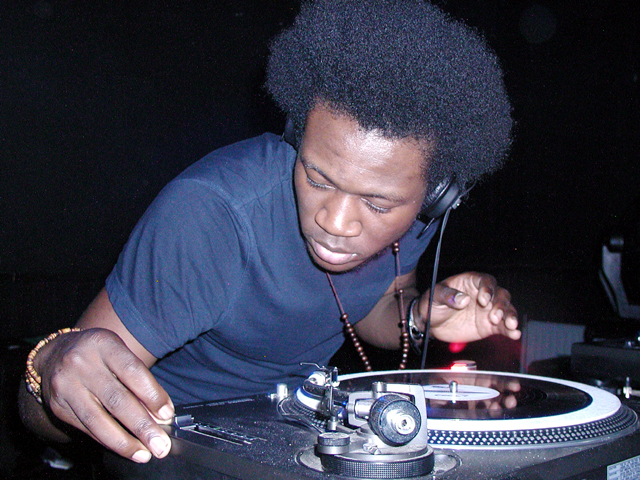 Benga playing live image