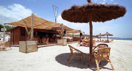 Lasal Beach Bar - A Typical